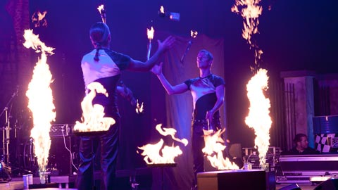 Feuer-Percussion-Show